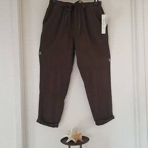 NWT! LOVE, FIRE OLIVE GREEN JOGGERS.